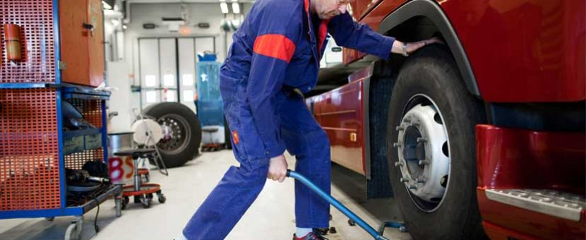 We change your tyres while you wait !
